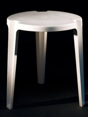 Patio table round 2 ft dia