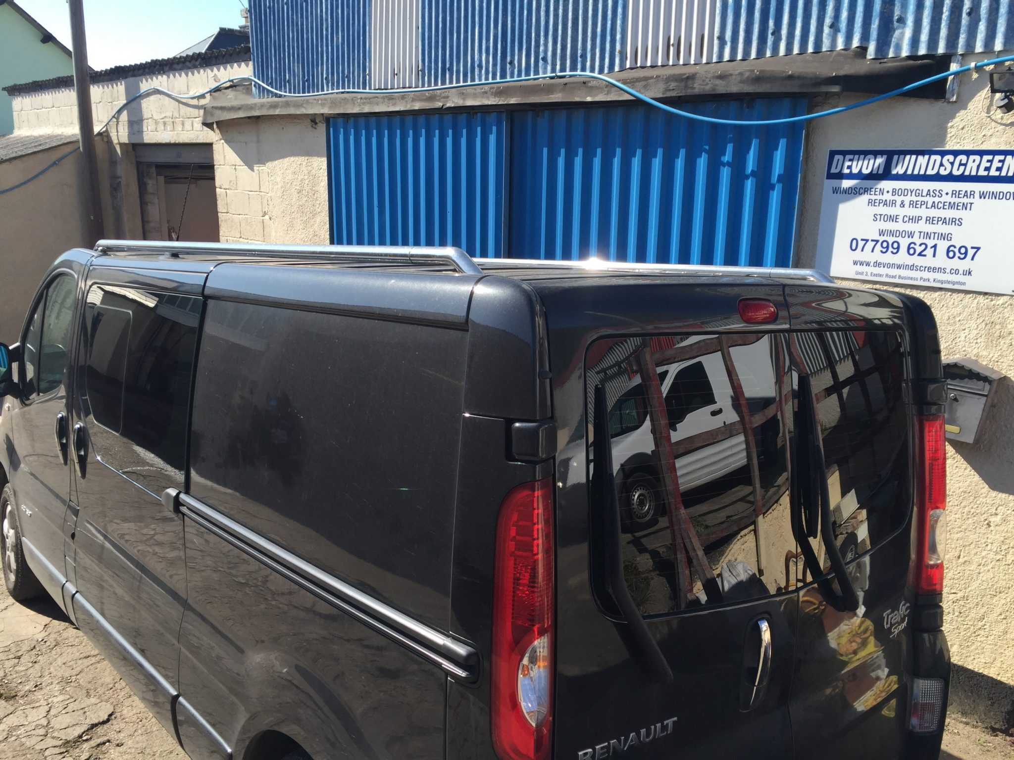 Renault Trafic Privacy Tint