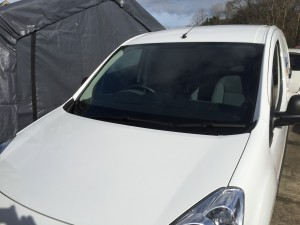 peugeot partner new windscreen