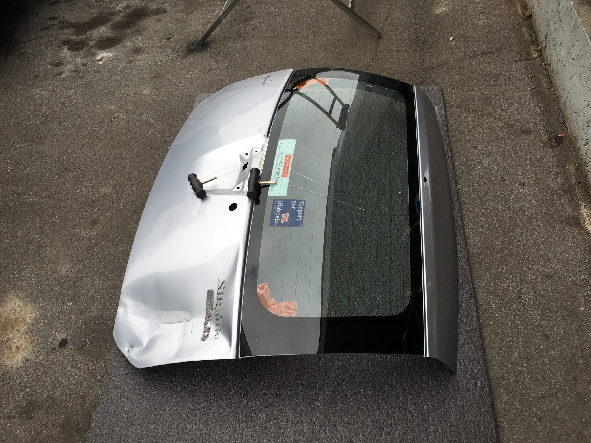Remove and Refit Rear Window