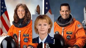 fotografia de fotografia lisa nowak william oefelin colleen shipman astronautas