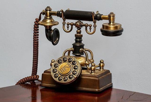 cuvantul alo - telefon