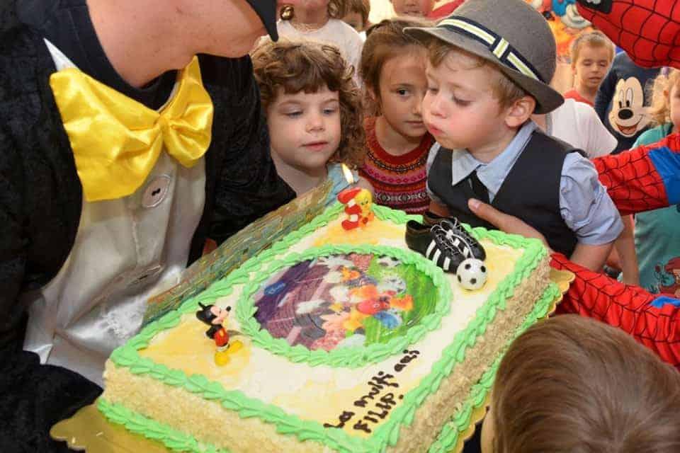 petrecere tematica pentru copii