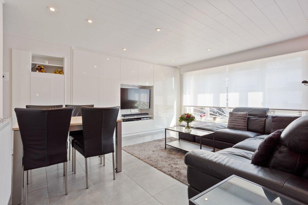 Totaal gerenoveerd 2 slaapkamer appartement  Devuyst Vastgoed