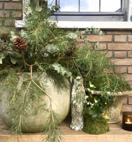 Voordeur kerstsfeer landelijk