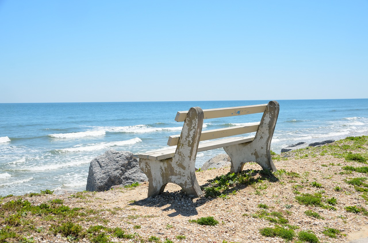bench-chair-1617335_1280
