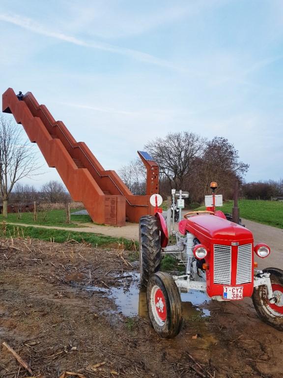 Vlooybergtoren, deze ligt op de route van de Alsbergwandeling