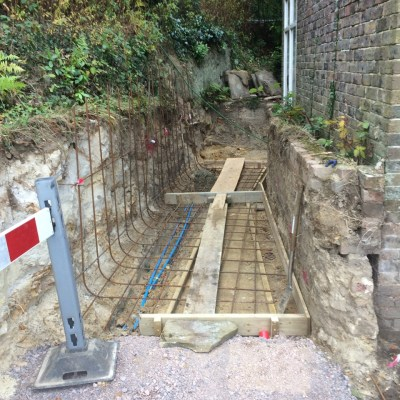 Steel reinforcement for concrete retaining wall, Lynton, East Grinstead