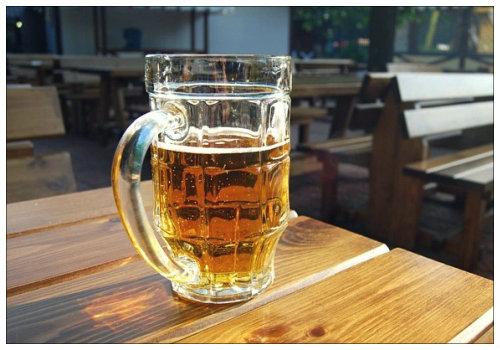 Кружка с пивом.