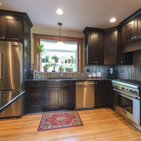 Highly recommended residential interior design firm offering expert kitchen remodeling in Geneva, Barrington, Long Grove, Northbrook and surrounding Chicago suburbs.
