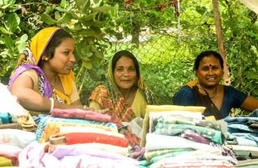 Raghubir Nagar Women Market