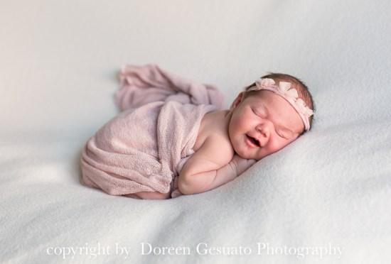 Kleine Prinzessin – Doreen Gesuato – Fotografin für Neugeborenen rund um Wertheim