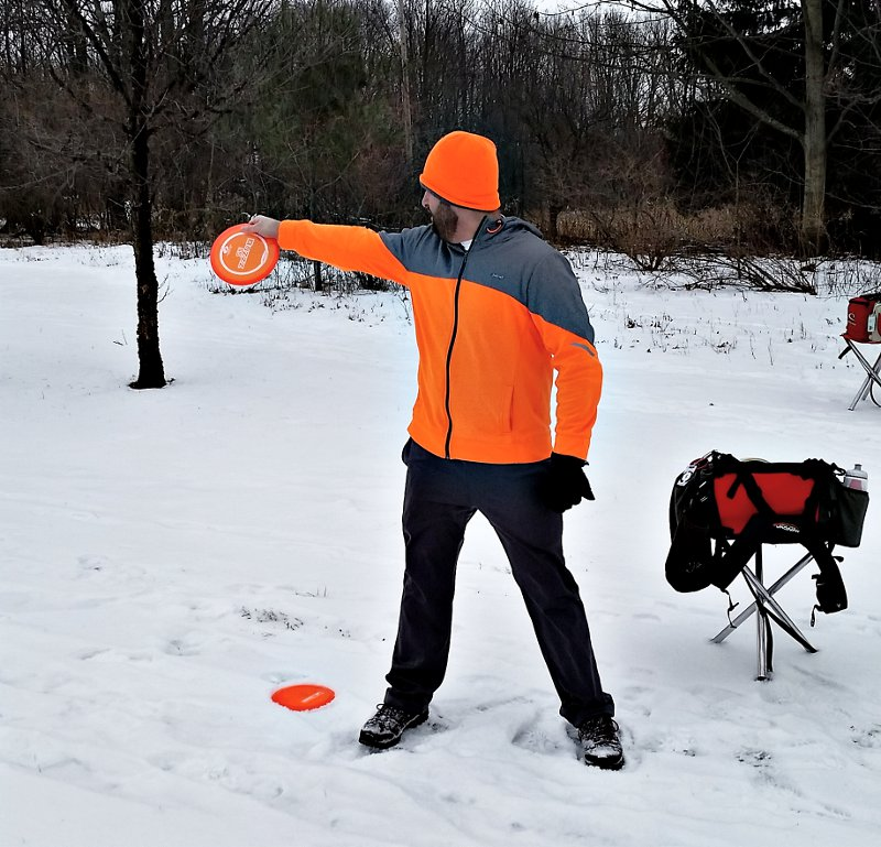Setting up in the disc golf approach zone