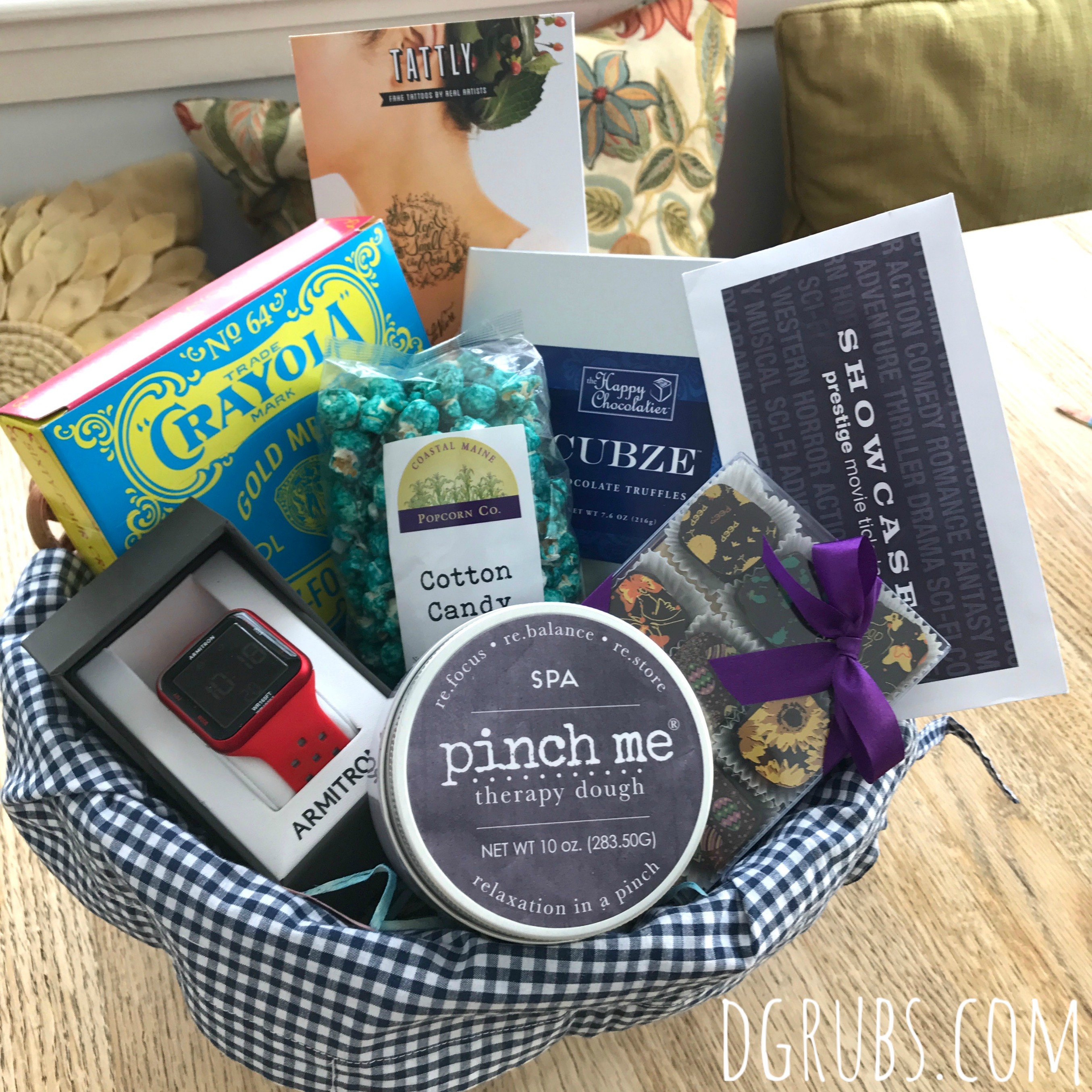 Easter 2018 a little bit about a lot of things a little bit for my first basket i used my pottery barn small basket with blue gingham liner bought these last year on super sale the day after easter i think they negle Choice Image