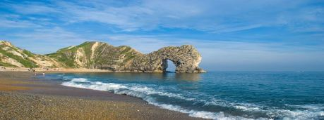 durdle door near lulworth cove