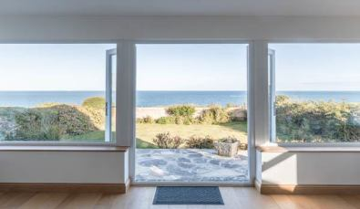 panoramic sea views from this big holiday home
