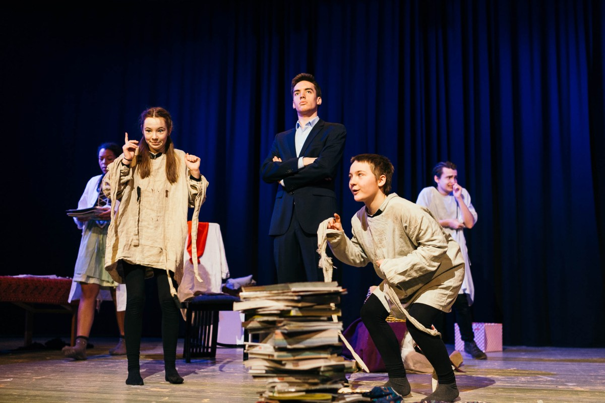 """Theater AG Gymnasium am Wall Verden - """"Auf der Suche nach Peer Gynt"""""""