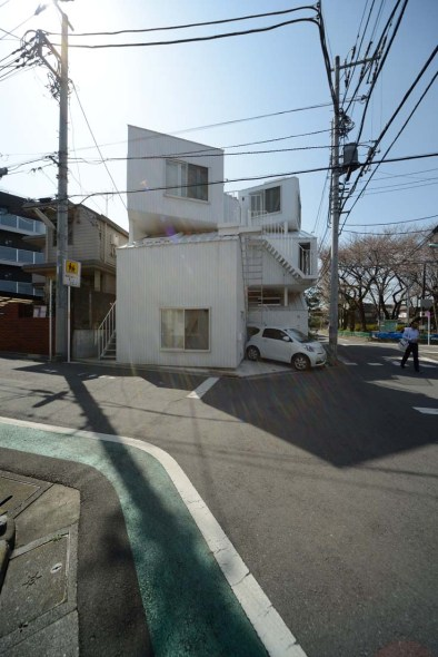 Tokyo Apt 17
