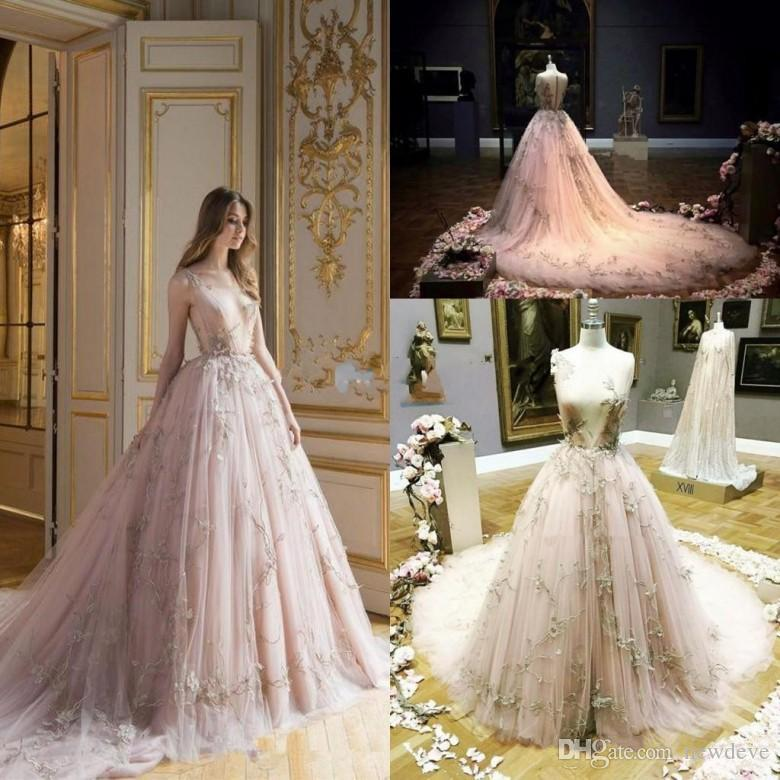 2018 Fairytale Dresses Evening Wear Ball Gown Plunging