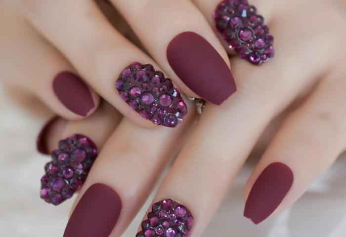 Compre Bailarinas Mate Color Burdeos Ataúd Uñas Falsas Diamantes De