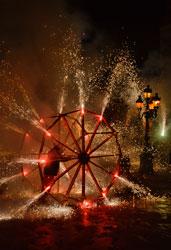 Roda de foc amb carretilles enceses la Festa Major del 2012