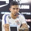 """Formado no """"terrão"""", Pedro Henrique defendeu o aproveitamento da base. Foto: Marco Galvão/Fotoarena/Folhapress"""