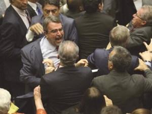 Convocação das Forças Armadas provocou briga entre parlamentares. Foto: Fabio Rodrigues Pozzebom/Agência Brasil