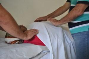 Reiki é uma das terapias oferecidas para a população. Foto: Divulgação/PMD