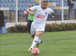Meia Francisco Alex vê EC São Bernardo 'encaixado' para sequência da Copa Paulista