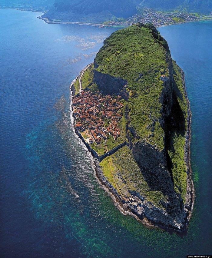 Μονεμβασιά: Η ωραιότερη κρυμμένη πόλη του κόσμου είναι Ελληνική –  διαφορετικό
