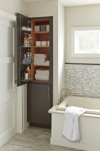 Linen Closet - Diamond Cabinetry