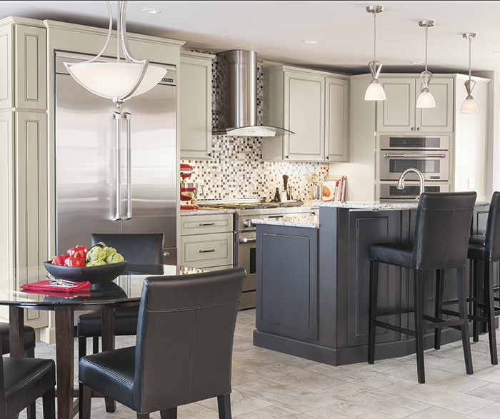Light Gray Kitchen Cabinets & Dark Gray Island Diamond