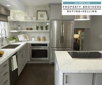 Gray Cabinets in an Eat-In Kitchen - Diamond Cabinetry