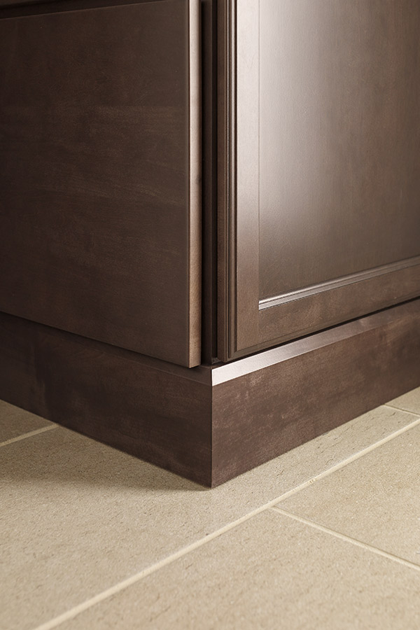 Shaker Baseboard Moulding  Diamond Cabinetry