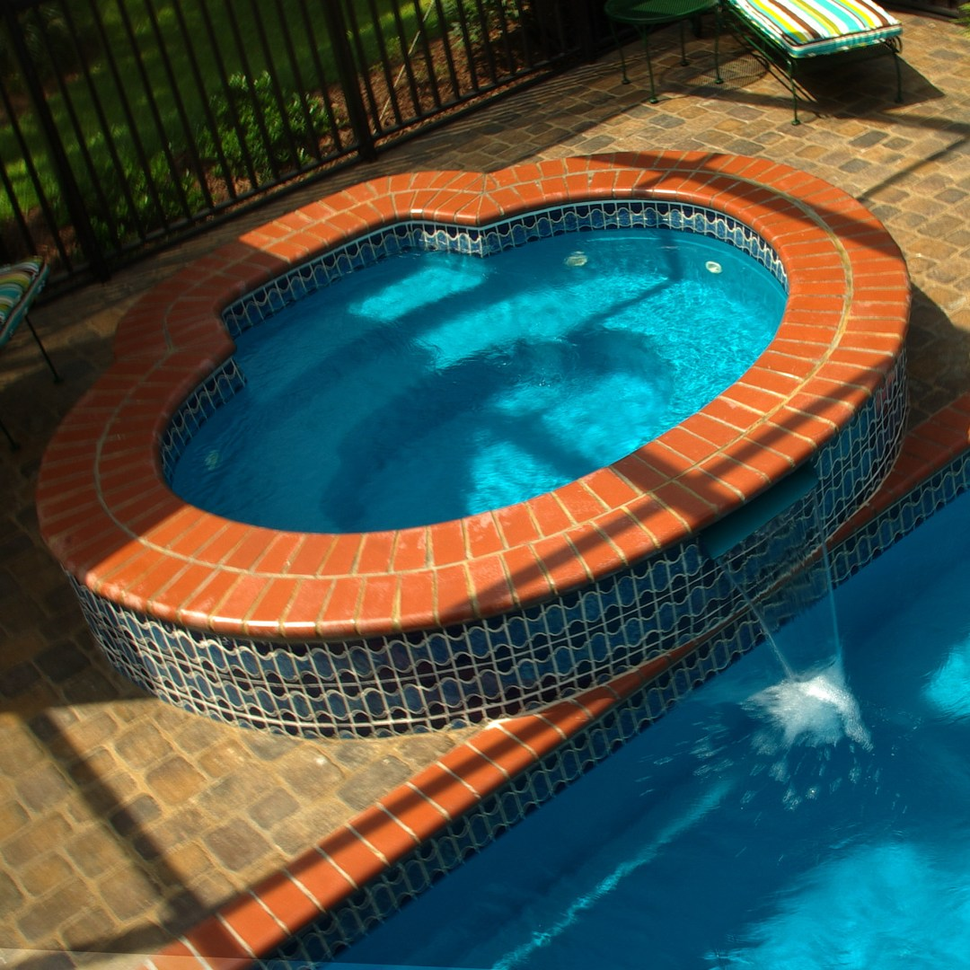 Oval Spa with Spillover