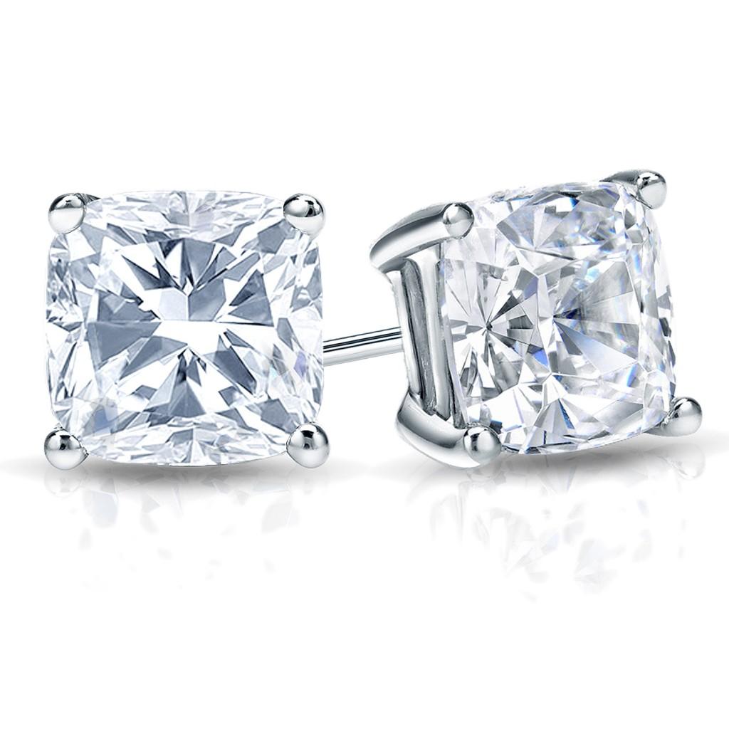 1 Carat Diamond Stud Earrings