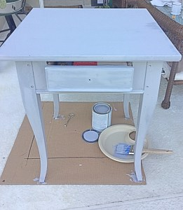 chalk_painting_furniture