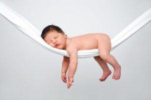 baby-in-hammock