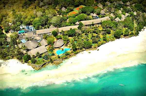 Vue aérienne Diani hôtel 4 étoiles plus Baobab Diani Beach
