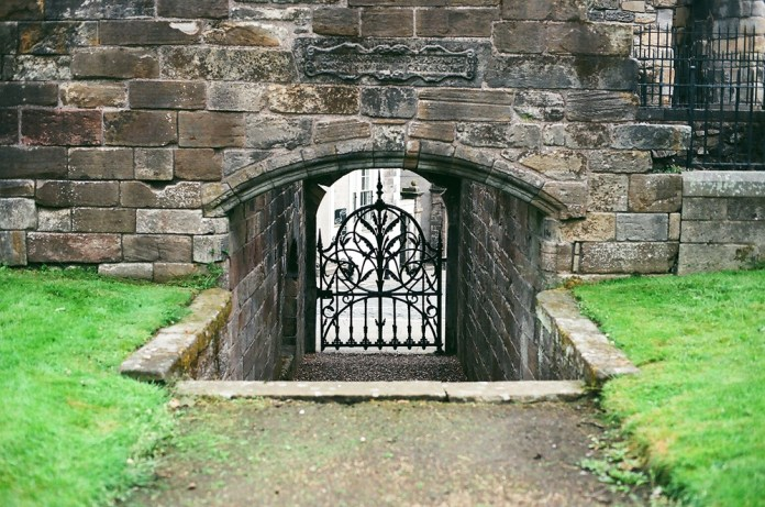 Stirling Kirkyard 2