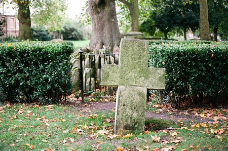 cemetery_portfolioSt-Pancras-Old-Church-2
