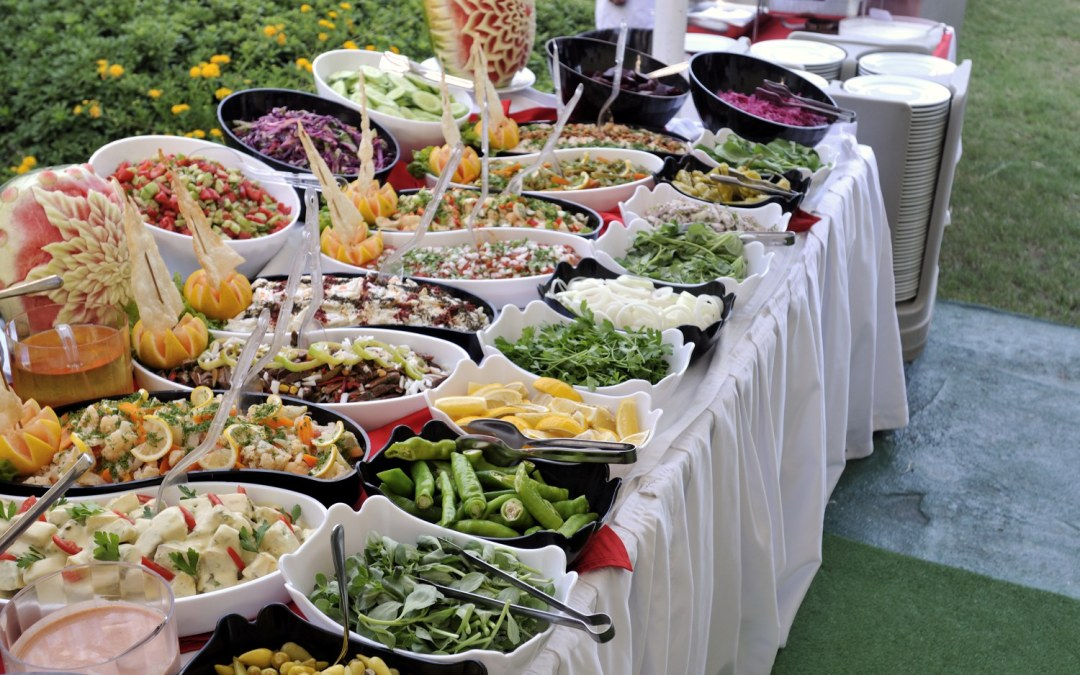 The Best Way to Serve Your Wedding Meal