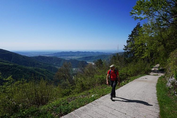 sentiero per il monte Zogo