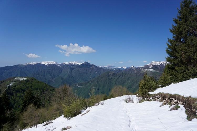 sentiero verso il monte Zogo