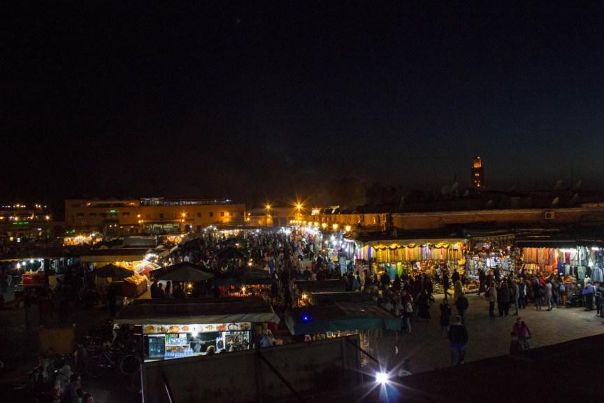 [img] Marrakech souq at night