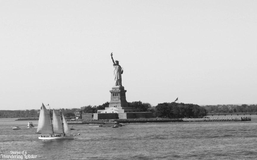 [img] NYC Statue of Liberty Chipmunk Hotels