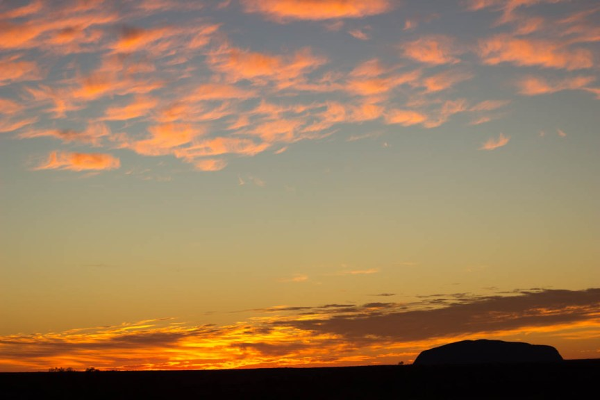 [img] visiting Uluru and Kings Canyon Uluru sunrise