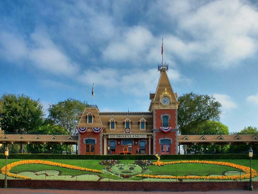 [img] Disneyland Anaheim california