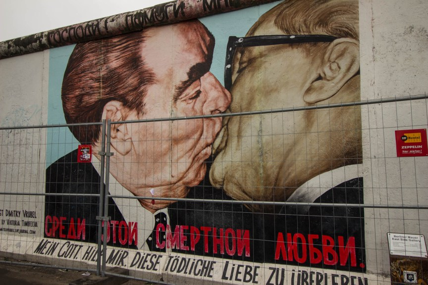 [img] Berlin Wall