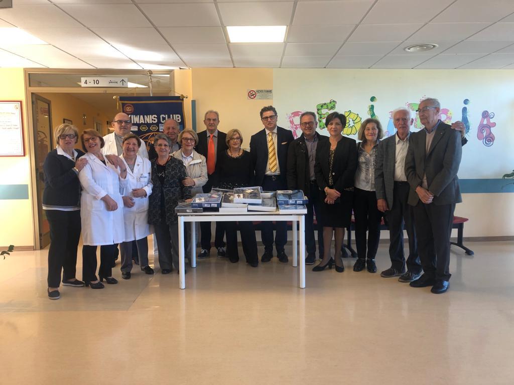 Il Kiwanis di Lentini dona biancheria intima per i degenti in difficoltà ricoverati in ospedale - Diario1984